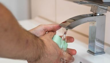 Mantenha as mãos limpas para evitar doenças